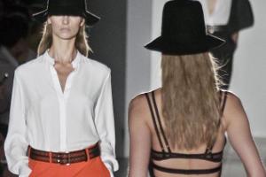 Модные критики восхищены новой коллекцией Виктории Бэкхем