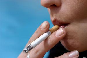 Курение влияет на размер и привлекательность груди