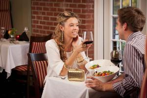 Современные мужчины не платят за даму на свидании