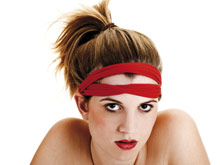 Самые популярные прически вызывают выпадение волос, констатируют врачи
