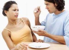 Пренебрегая завтраком, мы подвергаем риску свою фигуру