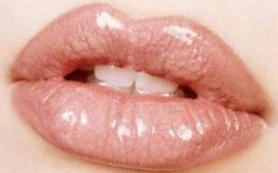Если губы обветрились: 10 важных правил