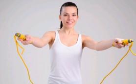 Наиболее эффективный способ тренировок для борьбы с лишним весом — скакалка