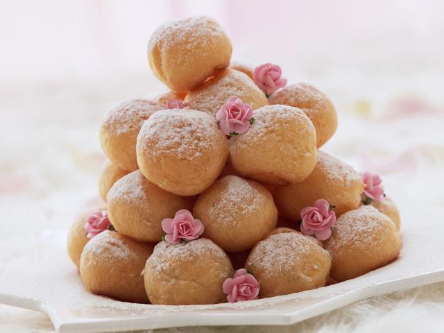 Полный отказ от сладостей мешает похудению, утверждают диетологи