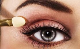 Как красиво накрасить глаза: особенности макияжа для разных типов глаз