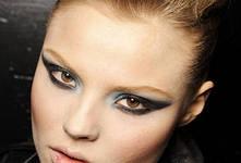 Делаем кошачий взгляд с помощью макияжа