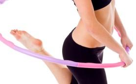 Упражнения с обручем помогут снизить вес