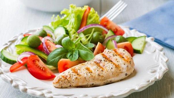 Врачи запретили долго сидеть на низкоуглеводной диете
