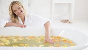 Травяная ванна: 5 рецептов для красоты и здоровья