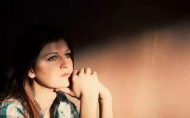 У молодых женщин депрессия разрывает сердце