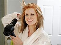 Доктор Тим Мур провел анализ и выяснил, как лучше сушить волосы