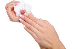 Почему кожа на пальцах рук облазит и шелушится?