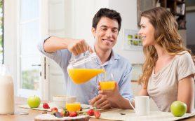 Сок натощак вреден для кишечника