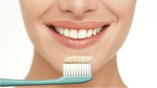 Названы лучшие домашние способы отбеливания зубов