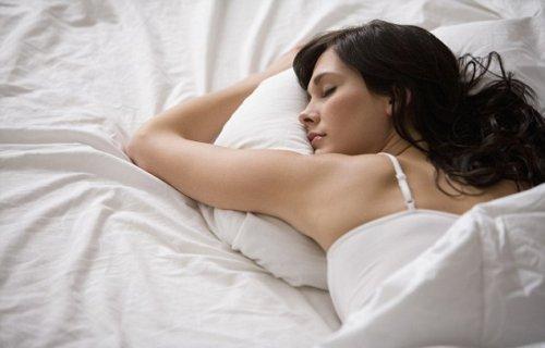 Наволочки с медью помогут сохранить молодость кожи во сне