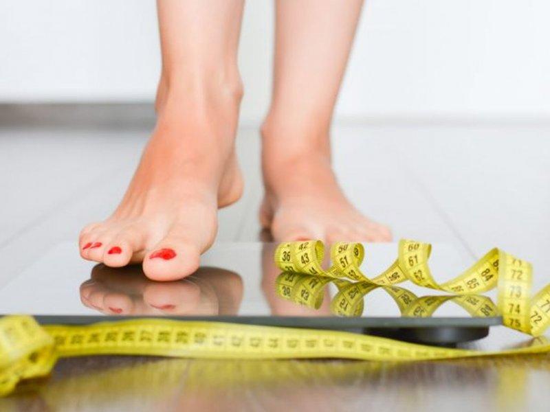 Новогодний лишний вес остается с человеком