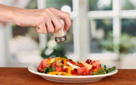 Как избавиться от привычки сильно солить блюда