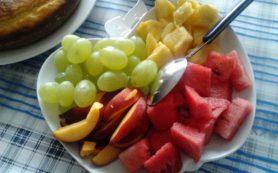 Врач-диетолог Наталья Григорьева: избыток фруктов и ягод может вредить здоровью и внешности