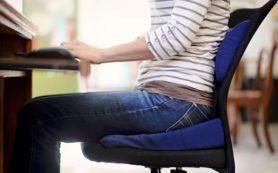 Долгое сидение на стуле ведет к скоплению жира на бедрах