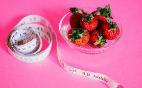 Есть и не толстеть – диетологи назвали оптимальное количество калорий