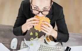 Диетолог назвал оптимальную суточную калорийность при сидячей жизни