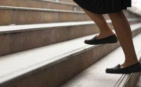 Определен простой способ избежать ожирения – 6 часов на ногах
