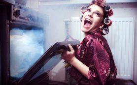 Безумные лайфхаки красоты 80-х: паяльник, духовка, зеленка, утюг и др.