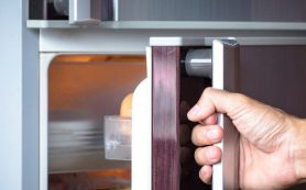 Эксперты назвали 7 продуктов, которые ошибочно хранят в холодильнике