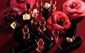 Кристен Стюарт в новой коллекции макияжа Chanel Rouge Allure Camélia