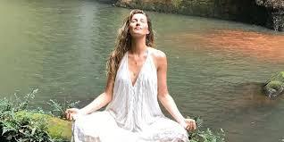 Как успокоиться за 2 минуты? С помощью альтернативного дыхания, которому учит Жизель Бюндхен