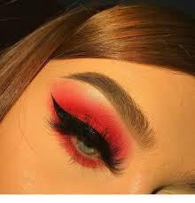 Красные тени — горячий makeup-тренд