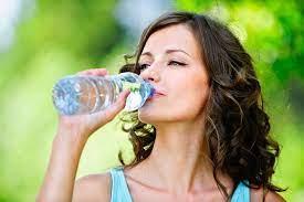 Сколько воды нужно пить во время тренировки: рассказывает олимпийская чемпионка