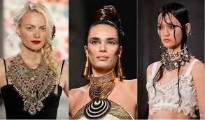 5 украшений, которые сделают модным любой образ
